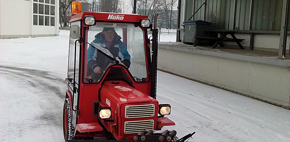 Winterdienst der Hago Hannover am Luftfahrtmuseum Laatzen