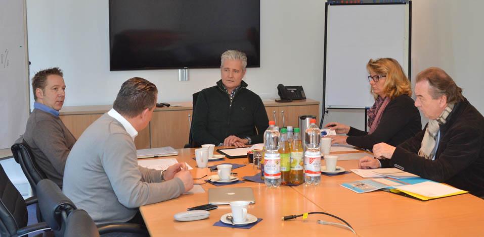 Meeting der Servico Unternehmensgruppen in Dinslaken: Harald Uchtmann (Servico HDG), André Dölken (Servico FM), Thomas Alves (Eccos), Gabi Russ (Servico HDG) und Kurt Winkler (Hago)