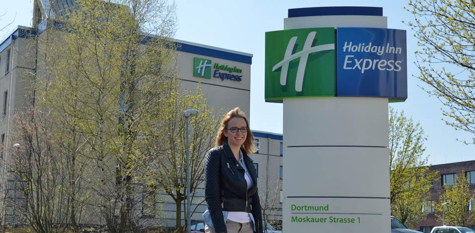 Eva Boeing Praktikantin Gymnasium Voerde Holiday Inn Dortmund