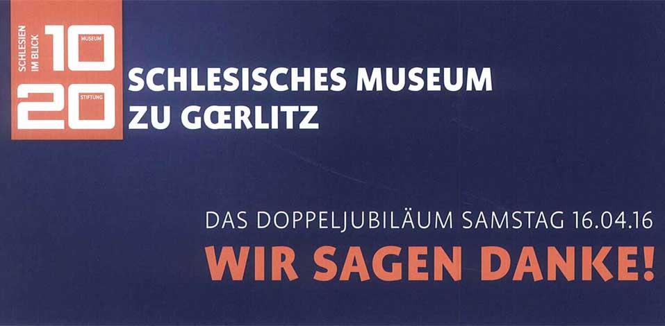 Sylke Schneider, Verwaltungsleiterin des Schlesischen Museums Görlitz, bedankt sich für Gebäudereinigung der Hago bei Servicoleiterin Brigitte Wolf