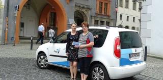 Sylke Schneider, Verwaltungsleiterin des Schlesischen Museums mit Hago Servicoleiterin Brigitte Wolf