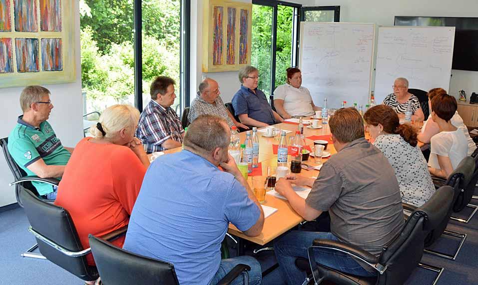 Seminar Projekt- und Zeitmanagement der Servico EDA in Dinslaken mit den Pflegedienstleitungen verschiedener Einrichtungen der evangelischen Altenhilfe Duisburg