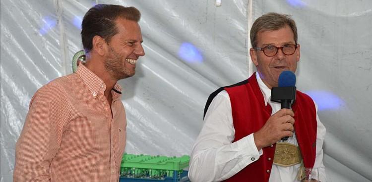 Holger Feldker und Franz Wisniewski eröffnen das Oktoberfest am Schöttmannshof