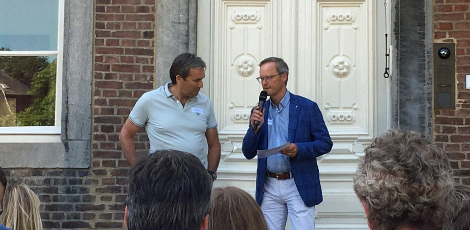 Ronald Goedmakers und Steph Feijen eröffnen bei strahlendem Wetter den Summit