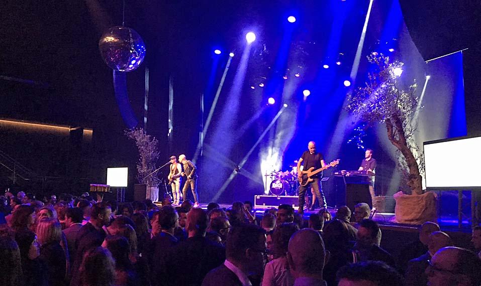 Anschließend durfte im Parkstad Theater mit Live-Band gefeiert werden.