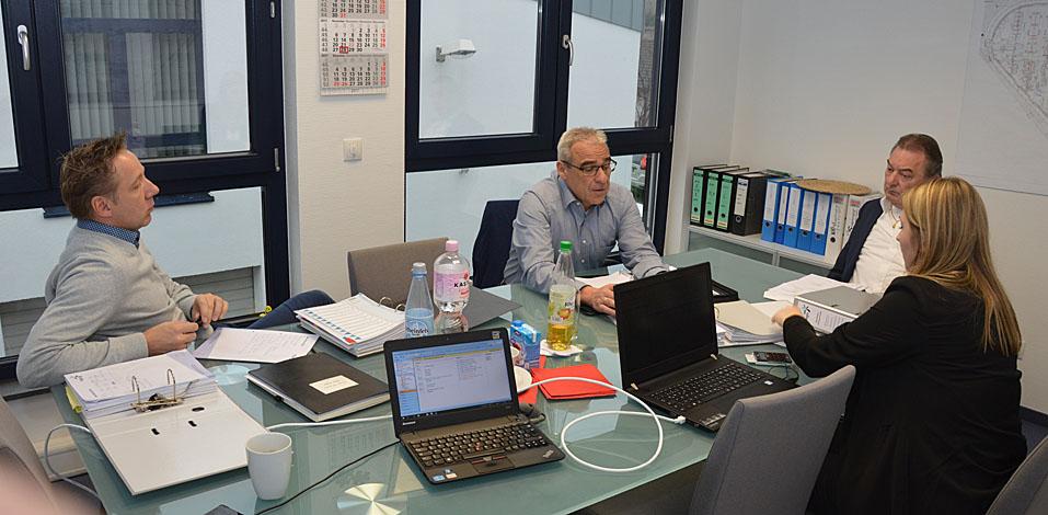Kurt Winkler, ehemaliger Niederlassungsleiter der Hago Düsseldorf, ist aus dem Ruhestand noch bei der Zertifizierung behilflich.