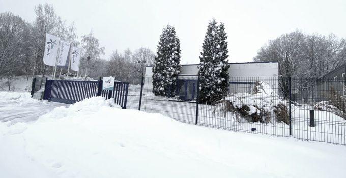 Dresdner Hago-Niederlassung im Schnee